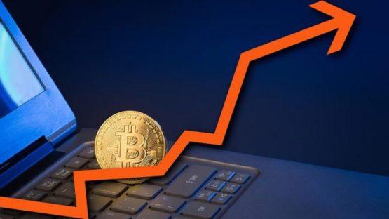 Цена Bitcoin перешла отметку в $4700